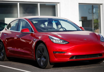 Electric car makers moving into Tesla's turf with new models