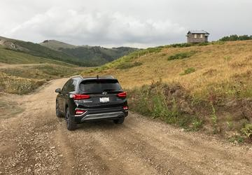 2019 Hyundai Santa Fe: Next-gen SUV gets bolder design, upgraded materials [First Look]